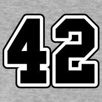 Accessoires und T-Shirts 42 Sport gestalten
