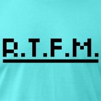 Accessoires und T-Shirts rtfm Pixels unterstrichen gestalten