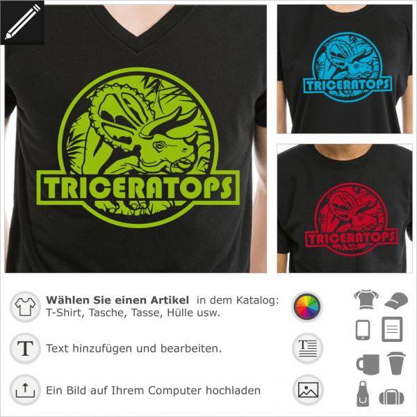 Triceratops T-Shirt, Jura-Logo mit einem Dinosaurier, der auf einem vegetativen Hintergrund ausgeschnitten ist. Personalisiere ein Dinosaurier T-Shirt